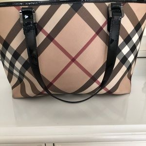Authentic Classic Check Nova Burberry Handbag